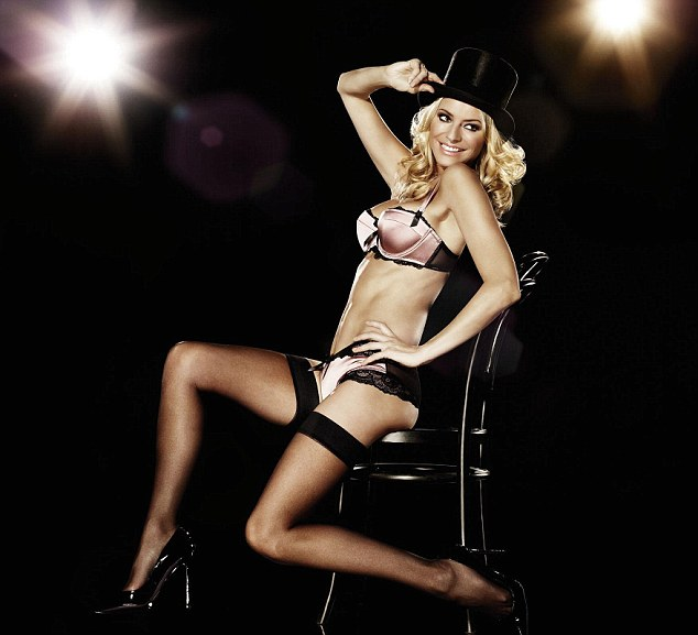 Undated La Senza handout picture of Tess Daly, who is the new face of lingerie company La Senza's ÔSteal the Show' campaign. PRESS ASSOCIATION Photo. Issue date: Saturday October 24, 2009. The  mum of two and wife of Vernon Kay will be modelling a stunning range of lingerie from La Senza's new Christmas collection on billboards and in all 180 store windows around the country, throughout November and December. See PA story SHOWBIZ Daly. Photo credit should read: La Senza/PA Wire
