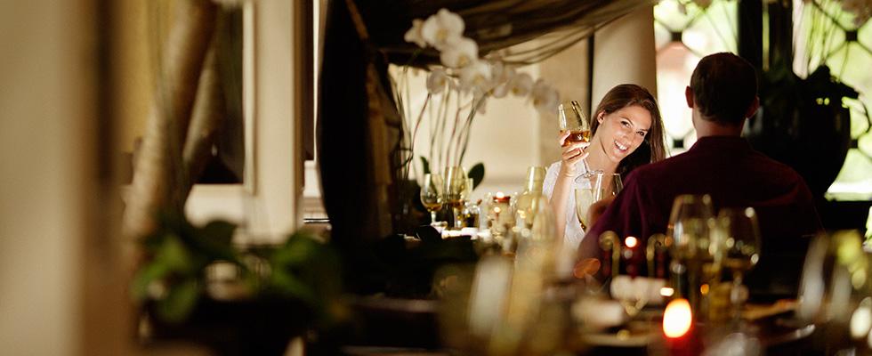 bella-cucina-dining-room_908x400_61