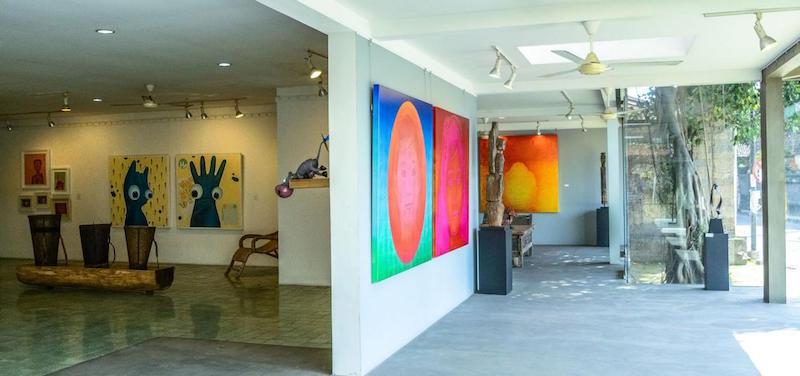 wing-depan-gallery-dengan-karya-walter-van-oel-aan-juniartha-i-kadek-agus-ardika-dan-tribal-art-indonesia