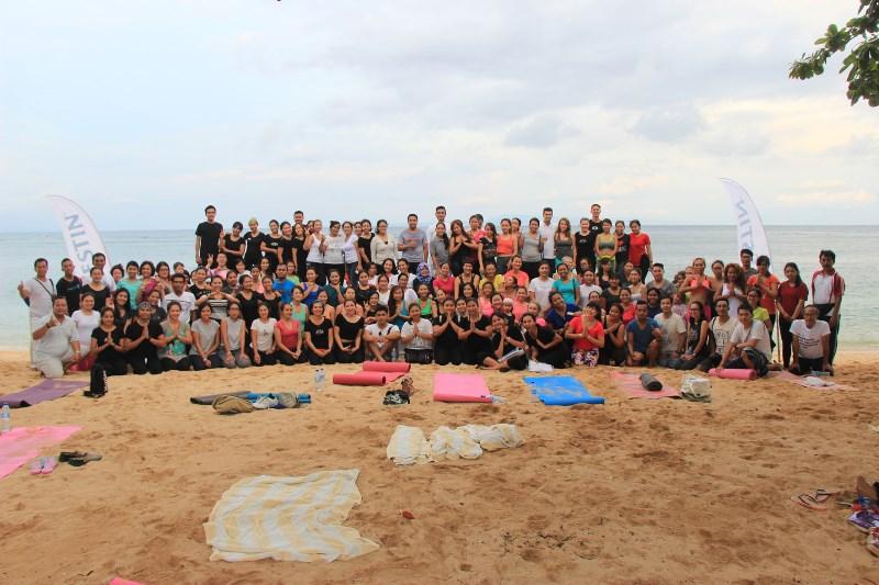 unicef-beach-family-yoga-2