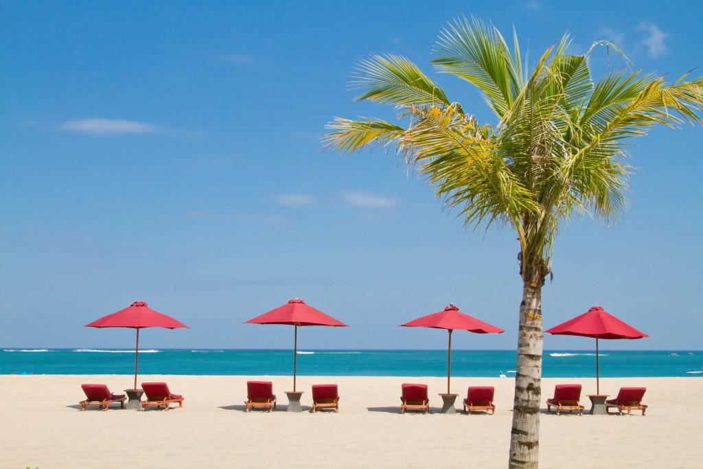 Beach Lounge 1