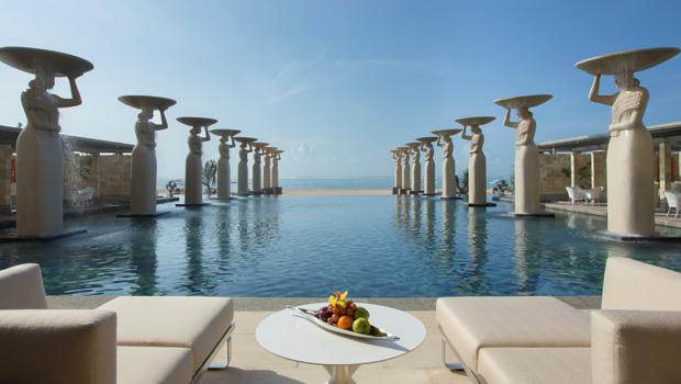 sig11-the-mulia-oasis-pool