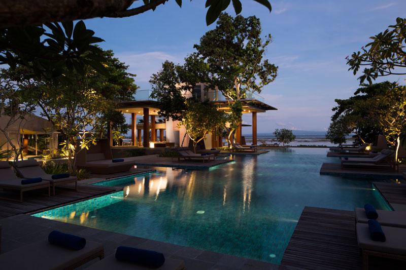 main-pool-evening-1466396094